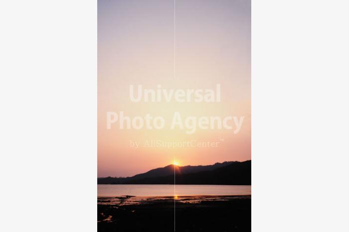 日本 山際の夕陽 / jp01-18
