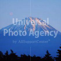 山梨 雪残る富士山 / jp01-30