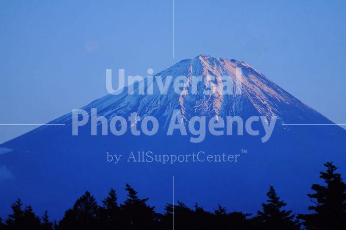 山梨 雪残る富士山 / jp01-5